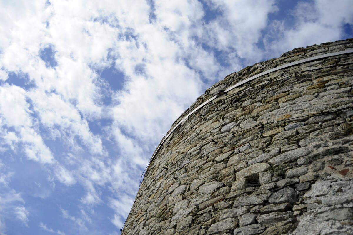 The circular tower of the Fortress - Photo by Ntinos Thomadakis
