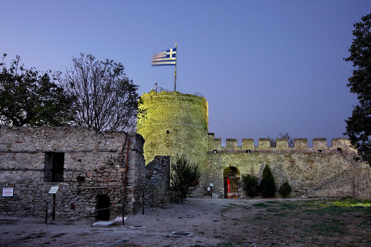 Κυκλικός πύργος - φωτογραφία Ηρακλής Μήλας