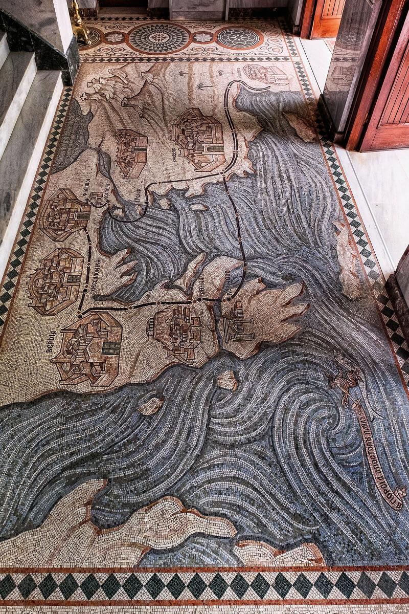 Ψηφιδωτό στην είσοδο του Ιερού Βαπτιστηρίου Αγίας Λυδίας της Φιλιππησίας - φωτογραφία Γιάννης Γιαννέλος