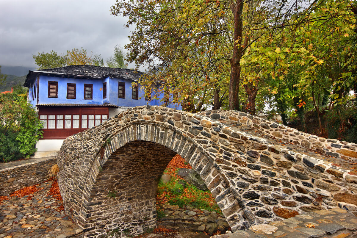 Каменный мост на горе Пангео, фотография Ираклиса Миласа