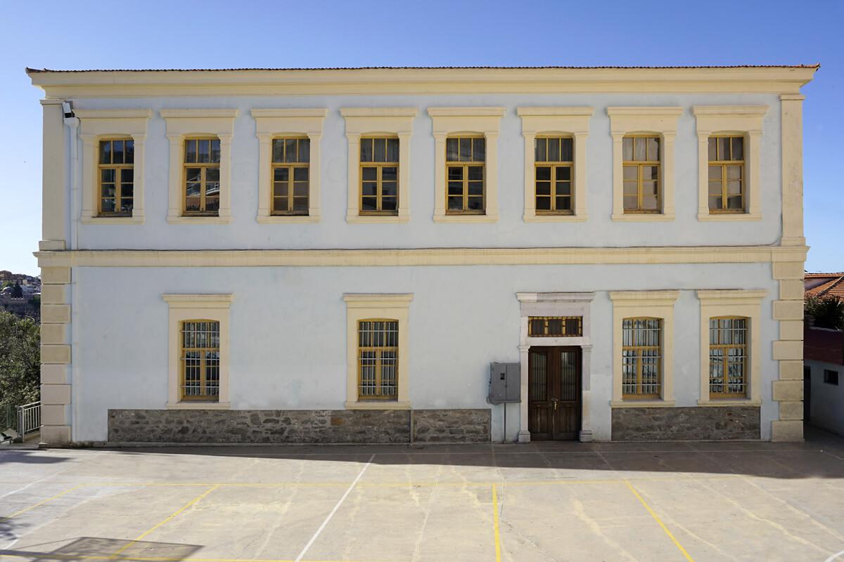 10ο Δημοτικό Σχολείο (Πρώην Παρθεναγωγείο) - φωτογραφία Αχιλλέας Σαββόπουλος