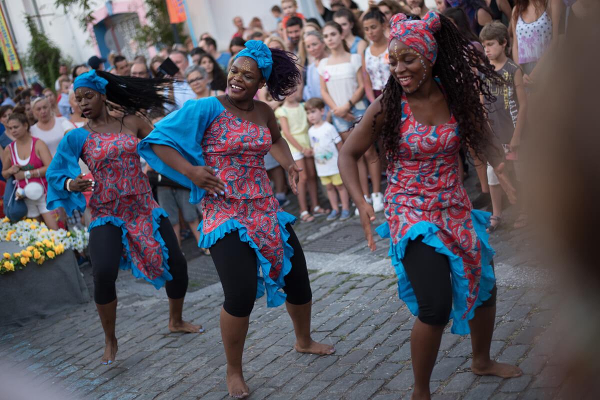 Dancers- Photo by Giannis Magdalasidis