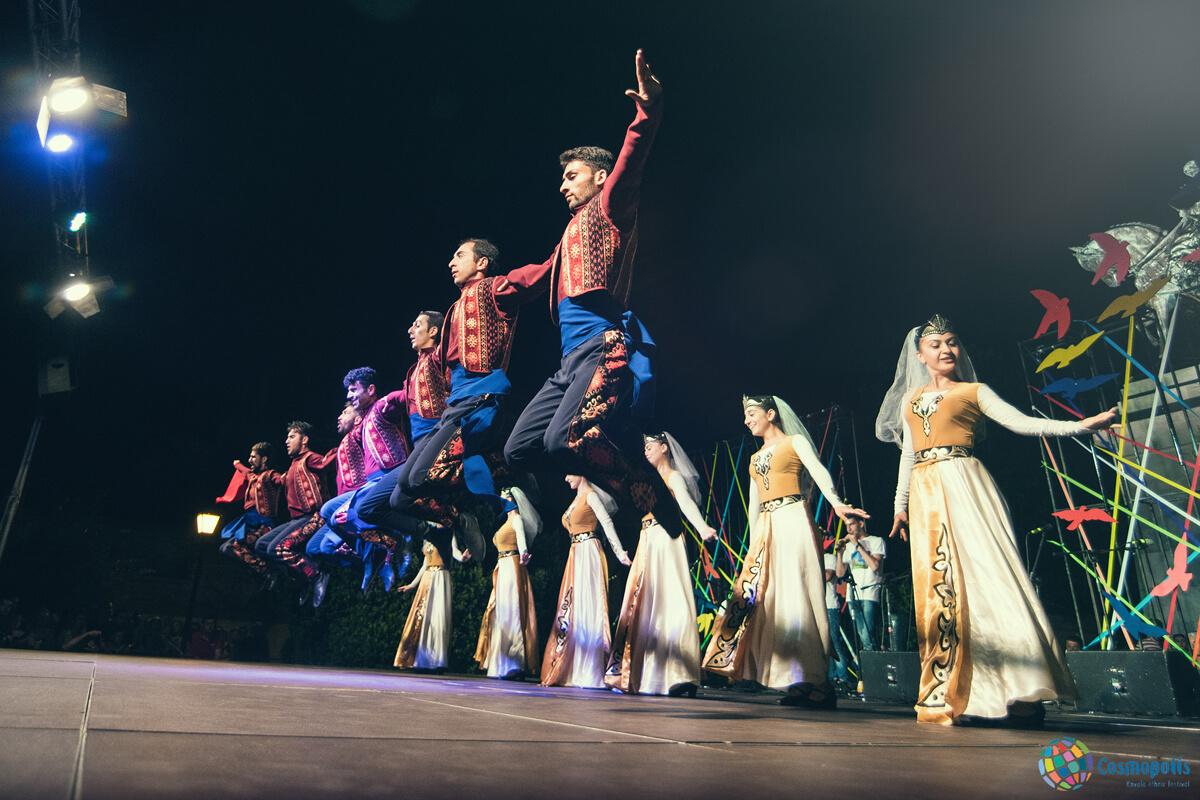 Dancers - Photo by Giannis Magdalasidis