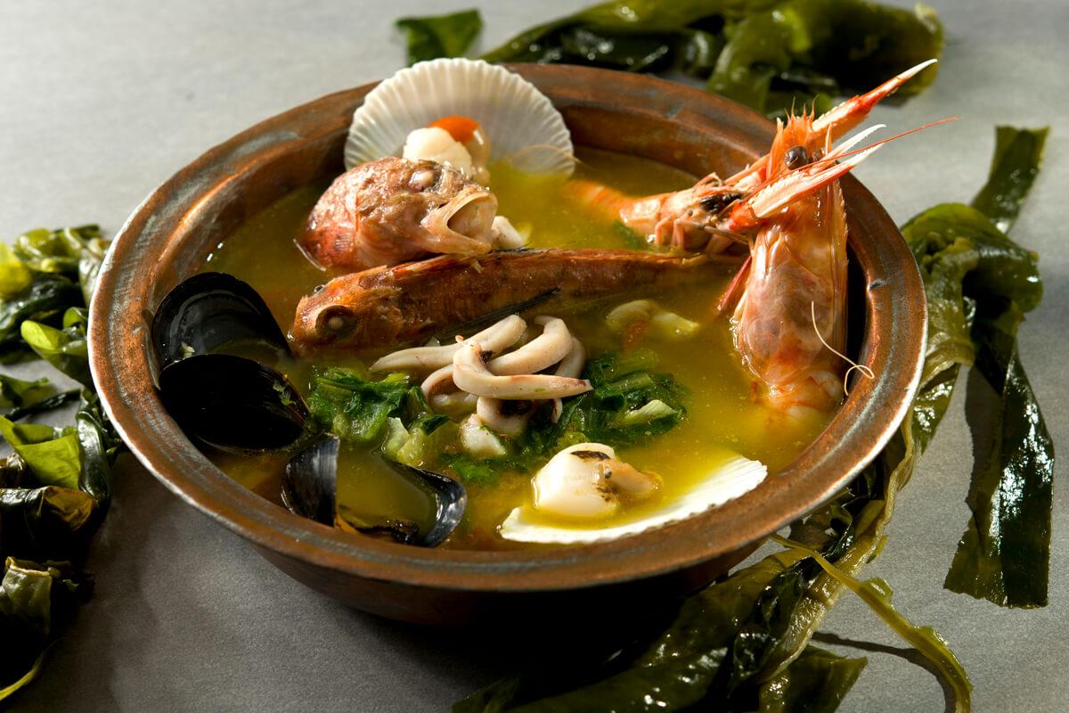 Καβαλιώτικη ψαρόσουπα με ταχίνι - φωτογραφία Artware