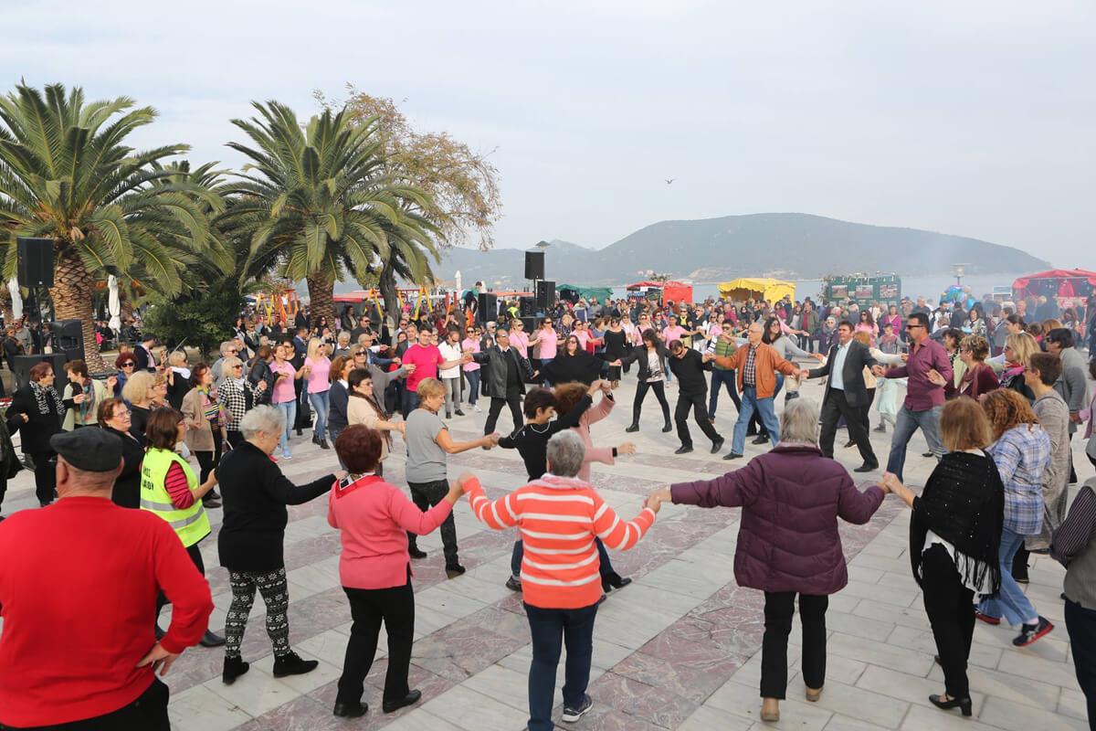 Tsipouro (Traubentrester) Festival: Foto von Ilias Nikiforidis