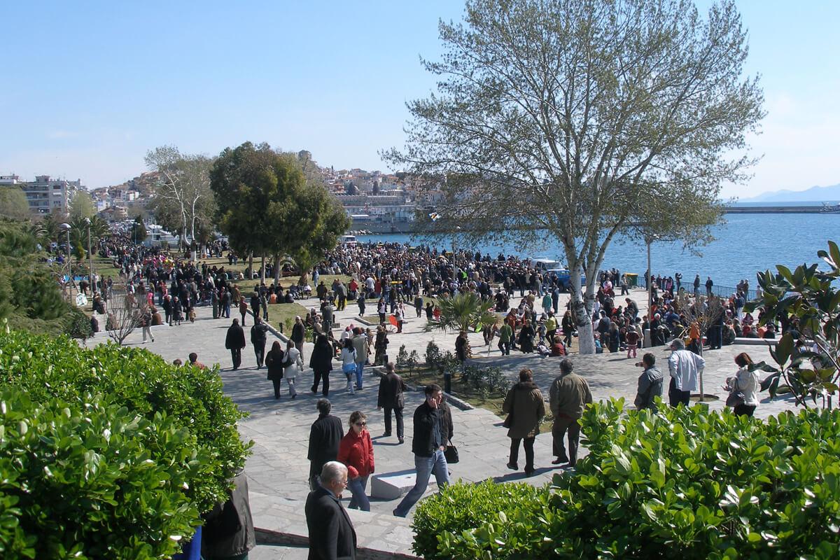 Rosenmontag im Park von Faliro- Fotoarchiv von Dimofelia