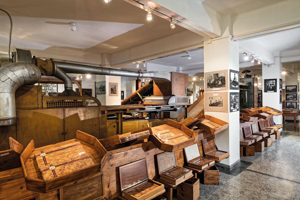 Музей табака, фотография Яниса Янелоса