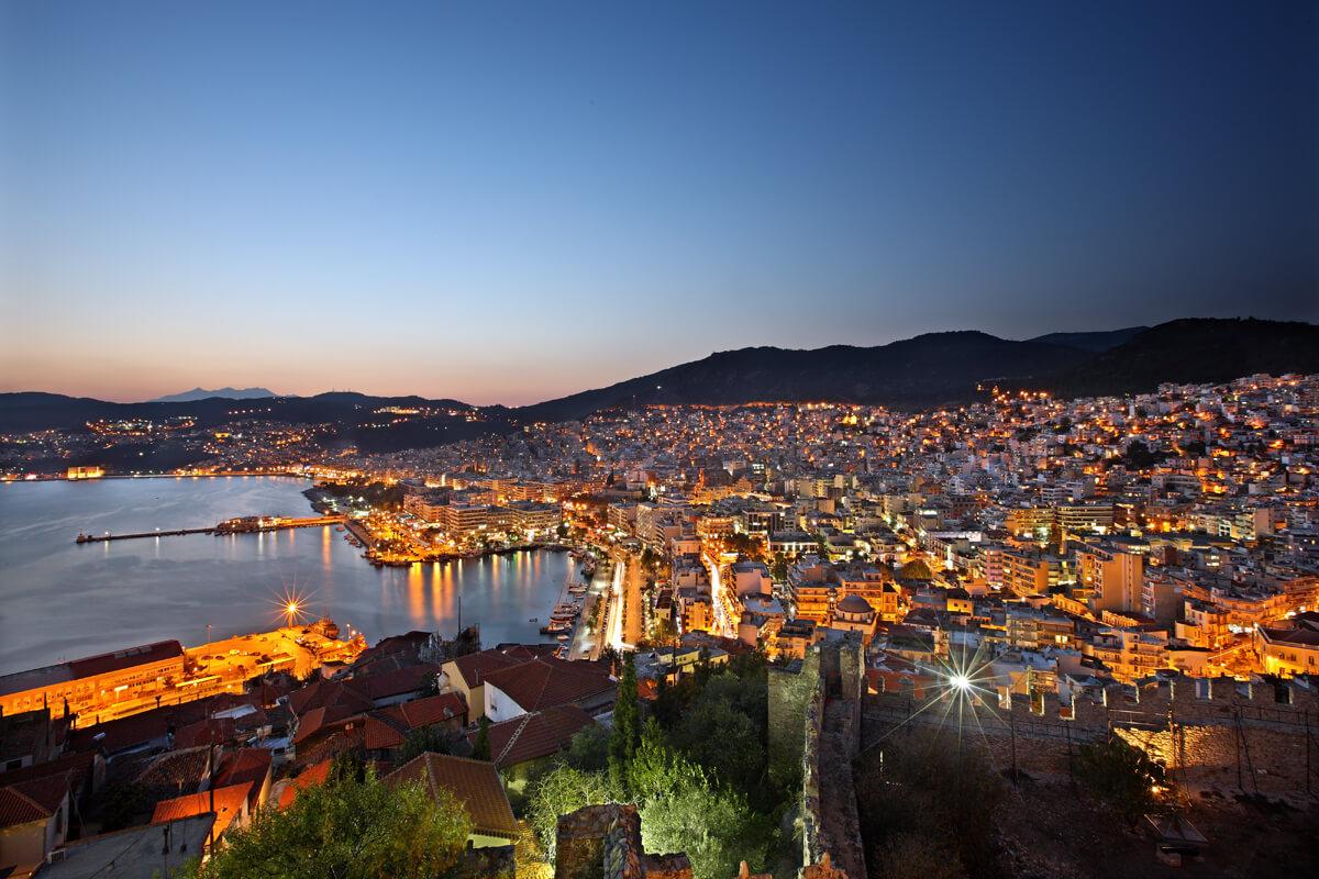 Νυχτερινή άποψη της πόλης από το Φρούριο - φωτογραφία Ηρακλής Μήλας