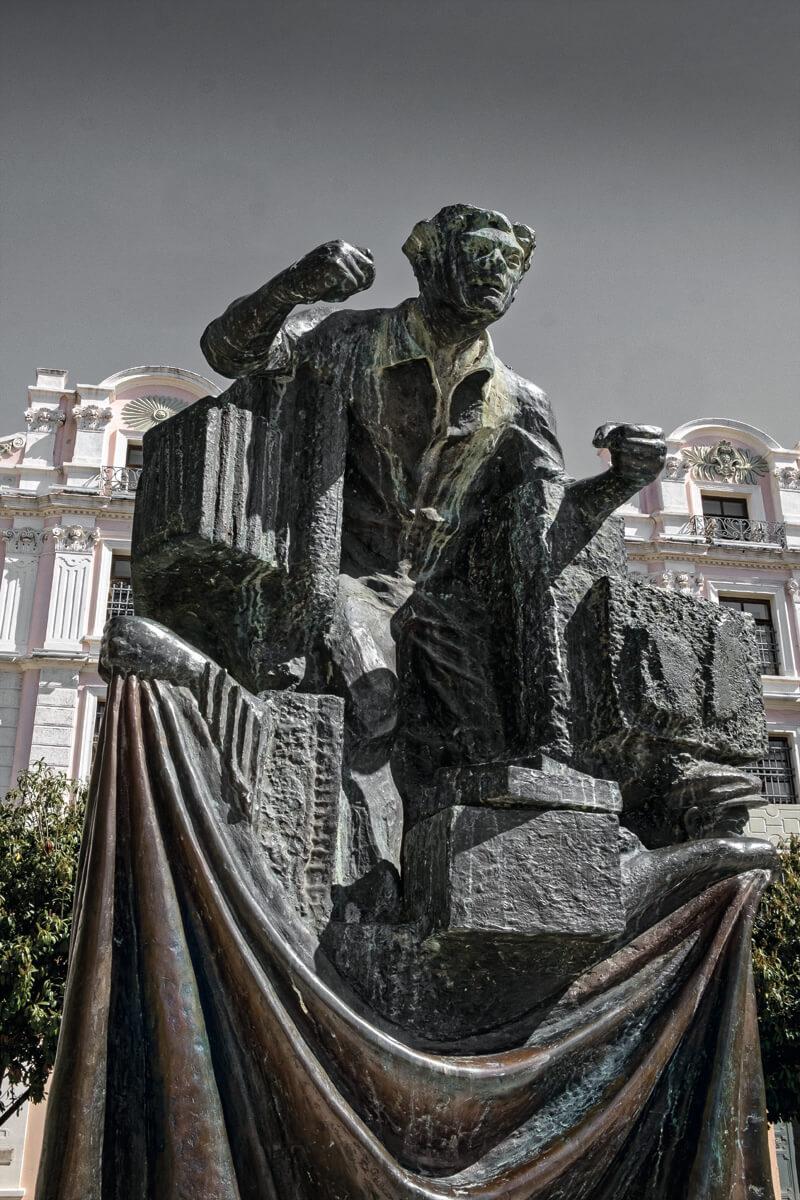 Monument Kapnergati -Foto von Giannis Giannelos