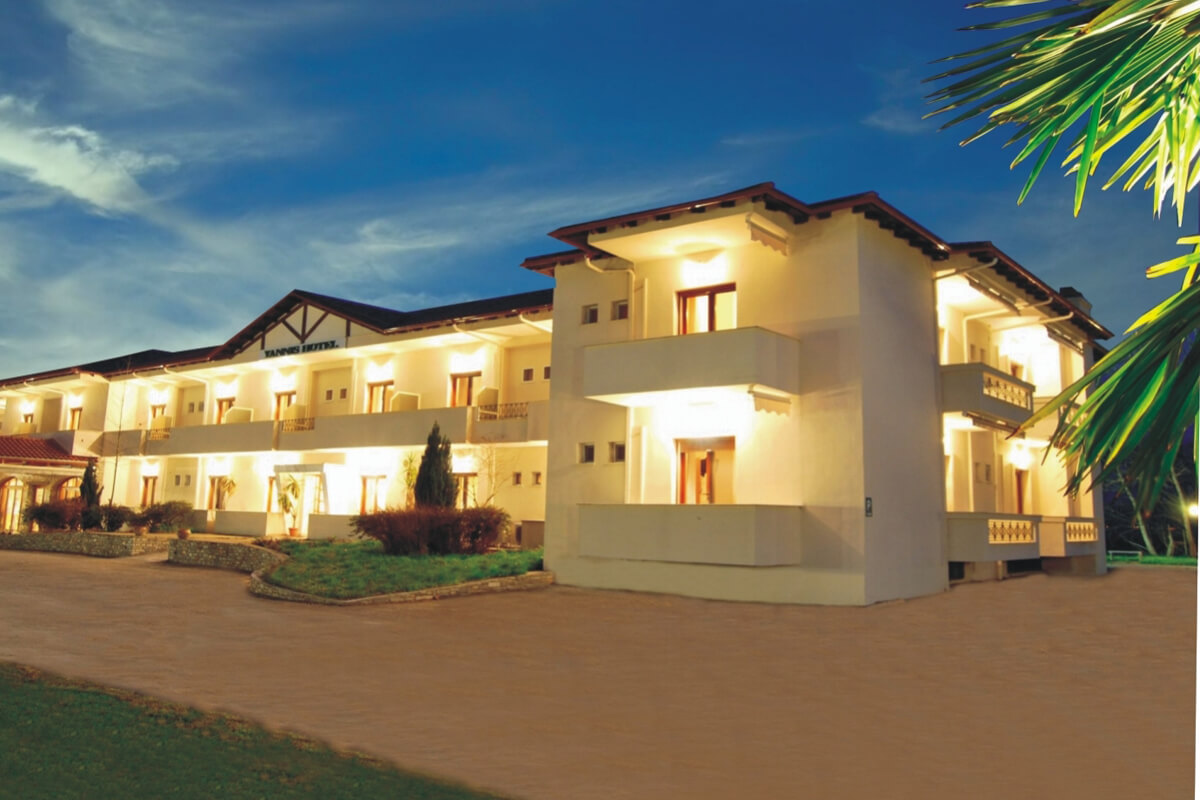 Yannis Resort Hotel Restaurant - φωτογραφία αρχείο ξενοδοχείου Yannis